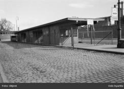 Sett mot øst fra Hausmannsgate. Høyvekta bak til venstre, gassverket til høyreFoto: Oslo Byarkiv<br>