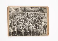 Arbeidere og funksjonærer på Thunes Verksted i 1929