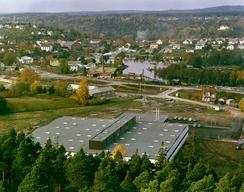 Oslo Baand & Lidsefabrikk / Cebelle Trengereid,farbikken fra 1974 ved Tista og sagbruket ved Femssjøen øverst i Tistedalen.Foto: Dextra Photo / Teigen<br>