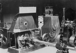 Ing. Stubs forbedringer av Francisturbinen vakte oppsikt under verdensutstillingen i Paris i 1900, og brakte Drammens Jernstøberi i front innen turbinteknologi inntil Stub meldte overgang til Kværner.Foto: Norsk Teknisk Museum NTM C 9142<br>