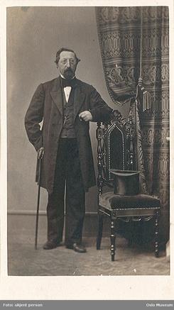 Carl Krafft (1812-1876) ble en del av det borgerlige Christiania. Dette bildet er fra Thor Olsens fotoalbum, og vitner om personlige forbindelser.Foto: Oslo Museum<br>