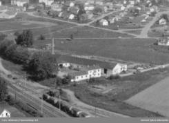 Stabburet Canning på Rygge, 1962Foto: Widerøe / Østfold Fylkesarkiv Billedsamling<br>