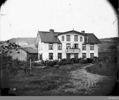 Familien Jamesons hjem på Gullhaug står fortsatt i NydalsbyenFoto: Ole Tobias Olsen, ca 1865, Oslo Museum<br>