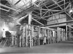 Verdens største elektriske smelteovn for glass ble installert i 1968. Den rommet 325 tonn smeltet glass.Foto: Made in Drammen<br>