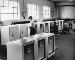 Kjøleskapsproduksjon i Drammen på 1950-talletFoto: Made in Drammen<br>