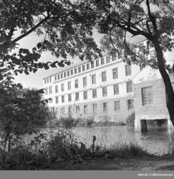 Ullvarefabrikken i konkursåret 1958, fotografert av Dagbladet Foto: Dagbladet / Norsk Folkemuseum<br>