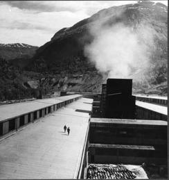Fra taket på aluminiumshallene, Årdal Verk 1948, Foto: Norsk Teknisk Museum