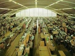 Fra fabrikkhallen på Kjelsås (Foto: Scan fra brosjyre)