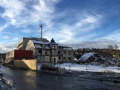 Riving av A.L-fabrikken i februar 2017. Kun den fremre halvdelen av bygget fra 1920 vernes som et minne om industrianlegget på Skøyen.