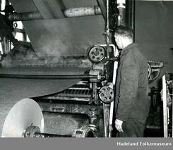 Kristian Bjørklund arbeidet ved Andfossen bruk på Mjønvald på Jaren, og ble med bedriften da den flyttet til Oslo på midten av 1930-tallet.Foto: Hadeland Folkemuseum<br>