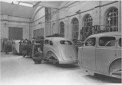 Fra 1933 til 1940 ble det montert biler på Strømmens Værksted. Dodge og De Soto var de origianle merkene i tillegg til Strømmens egen variant av Dodge.Foto: Akershus Fylkesmuseum<br>
