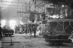 Smeltehuset i Alby karbidfabrikk med driftseffektive smelteovnar som Petersson utvikla.Foto: NVIM I-04969<br>
