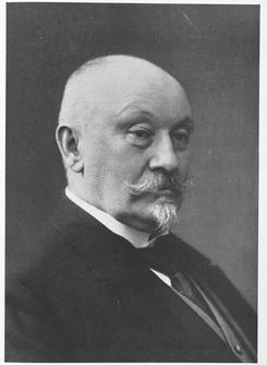 Utenriksminister og fabrikkeier Nils Claus Ihlen fotografert i 1913.Foto: Akershus Fylkesmuseum<br>