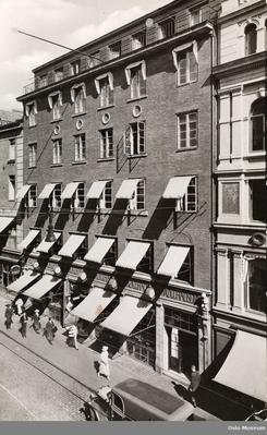 Bakeri- og restauranthuset på Karl Johansgate 17Foto: Oslo Byarkiv<br>
