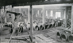 Oslo Monier- & Cementvarefabrik fabrikkhallen på SkøyenFoto: Scan fra jubileumsbok 1945<br>