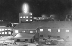 Juletreet på silobygget, et kjært syn for folk i vid omkretsFoto: Made in Drammen<br>