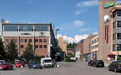 Den gamle Stålverksgata med ombygde Spigerverkshaller til venstre (RIksteateret) og nye bygg til høyre.Foto: Dag Andreassen<br>