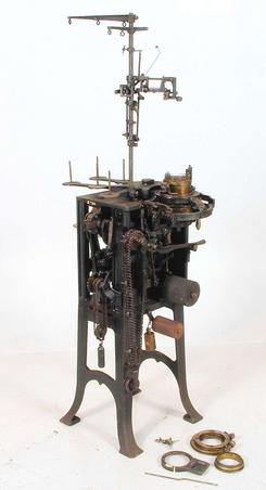 Rundstrikkemaskin med understell og trådførere, NTM 7260