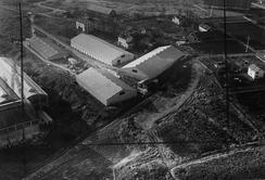Lageranlegg på Ensjø / Hovin, i 1953, hvor ny fabrikk ble bygd i 1968. Foto: Oslo Byarkiv