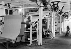 Veveriet i Eidsvåg Fabrikker i 1943Foto: Atelier KK / Universitetsbiblioteket i Bergen ubb-kk-n-456-232<br>