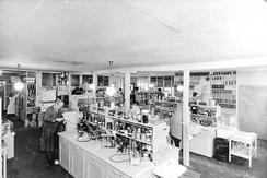 Fleischers laboratorium var blant Norges største utviklingslaboratorier i kjemisk industri.Foto: Norvin Reklamefoto / Universitetsbiblioteket i Bergen ubb-nor-f-0567<br>