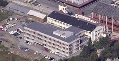 Fabrikken på Minde etter utbygging i 1968Foto: Universitetsbiblioteket i Bergens Billedsamling ubb-w-f-204869<br>