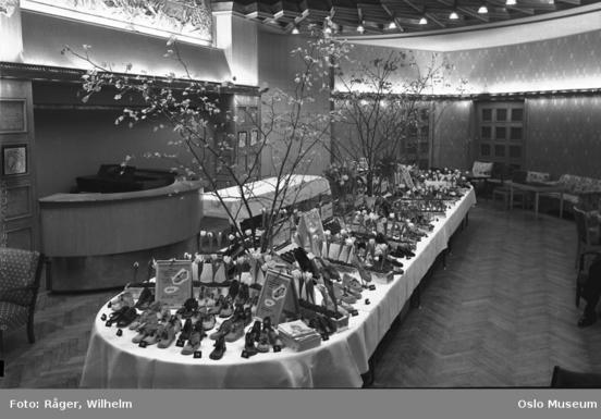 Alfa skofabrikk, utstilling 1952 (Ingressbilde)
