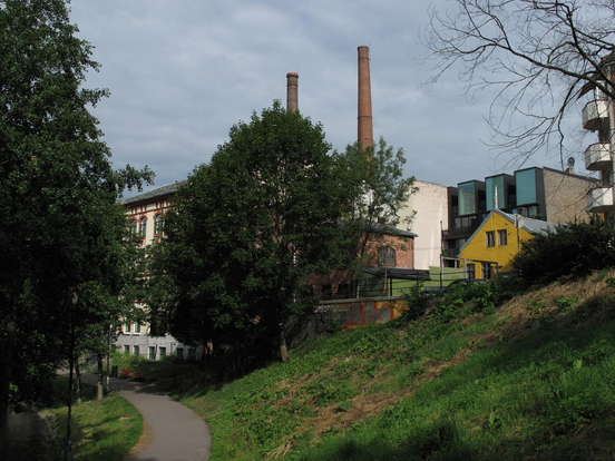 Mot Kunststøperiet / Il-O-Van og tobakksfabrikken